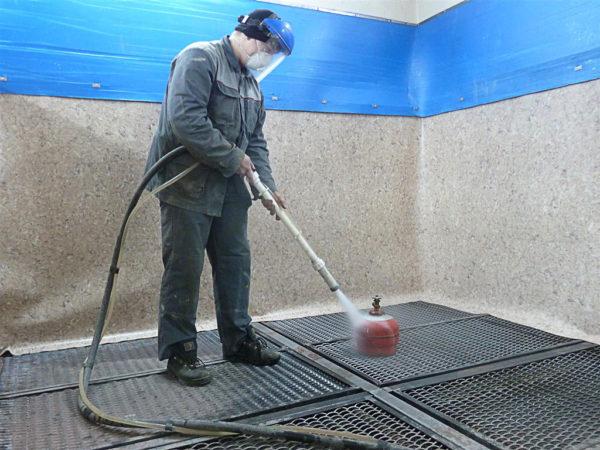 Экологически чистый процесс гидроабразивной очистки