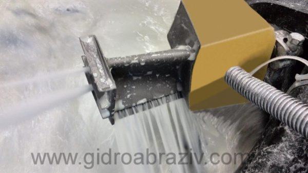 Гидроабразивная прочистка перфорационных отверстий турбинной лопатки