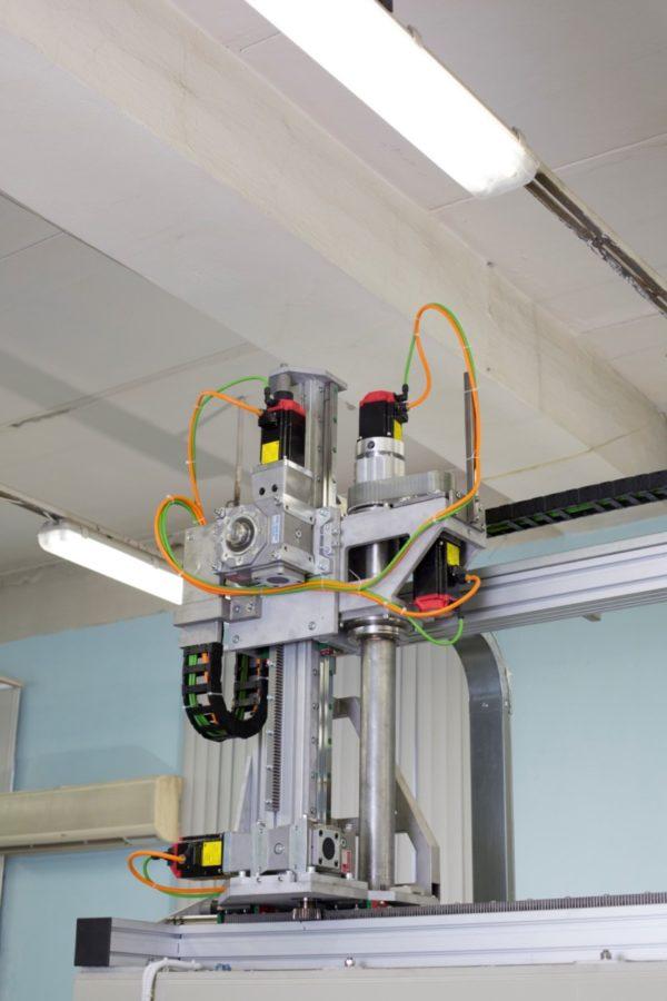 4-х осевой манипулятор автоматизированной установки гидроабразивной очистки