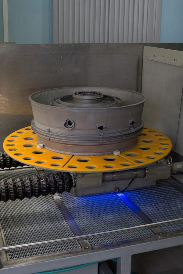 Гидроабразивная очистка корпуса подшипника ГТД авиадвигателя