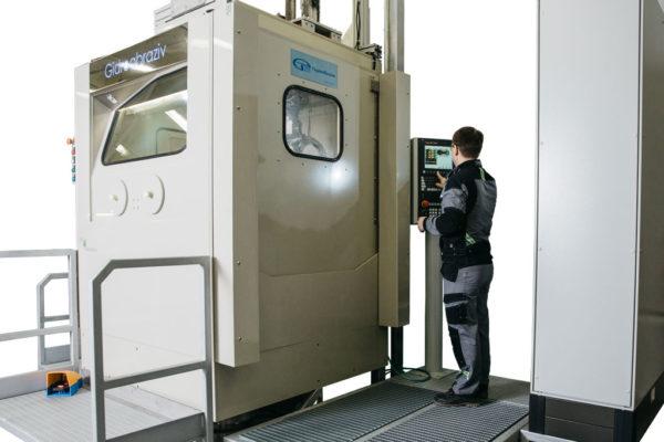 5 управляемых осей гидроабразивной обработки КС-150АГ/5D