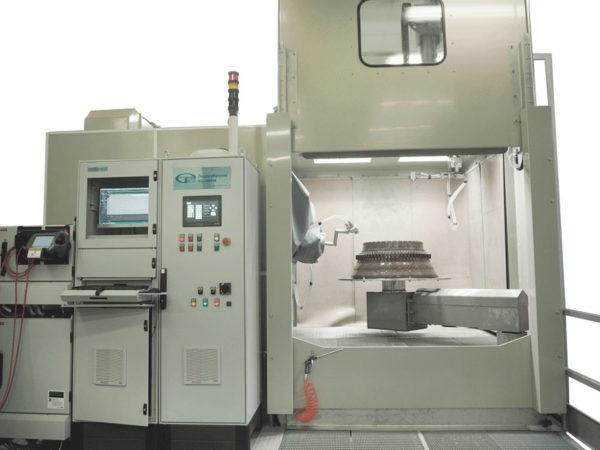 Установка гидродробеструйной обработки КС-150РМ с роботом и манипулятором в 11-ти управляемых осях