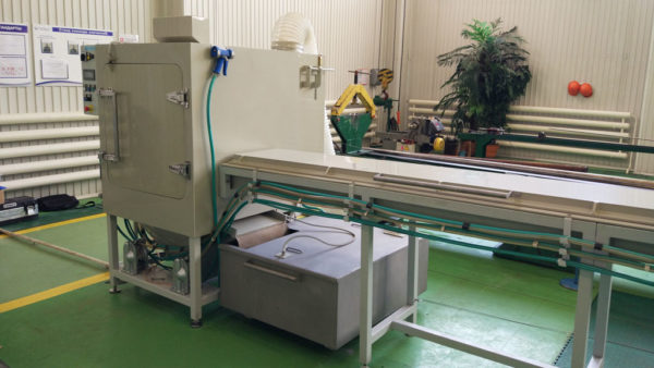 Установка гидроабразивной очистки отверстий в длинных валах