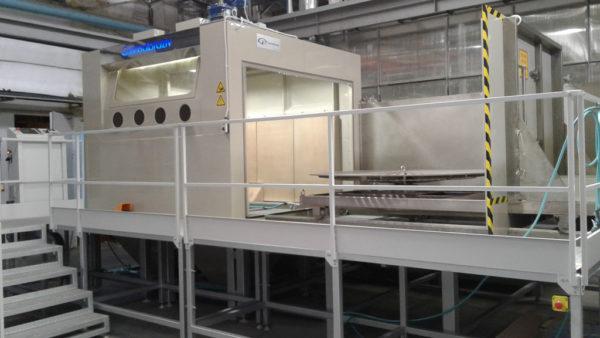КС-200А 5D Установка гидроабразивной очистки крупных изделий