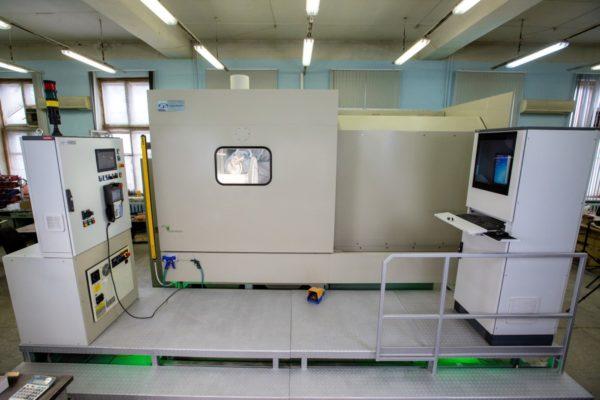 Роботизированная гидроабразивная обработка КС-150Р